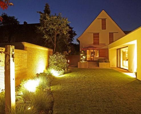 Beleuchutng von Sichtschutz und Terrasse