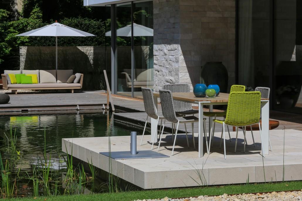 stadtvilla mit schwimmteich potsdamer g rten g rten f r berlin und brandenburg. Black Bedroom Furniture Sets. Home Design Ideas