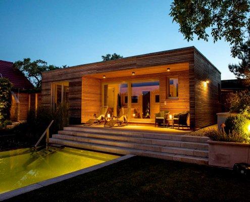 Gartenbeleuchtung Wellness-Bereich und Schwimmteich