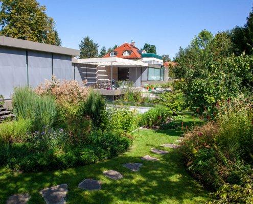 Gartenpflege, Pflanzen im Garten