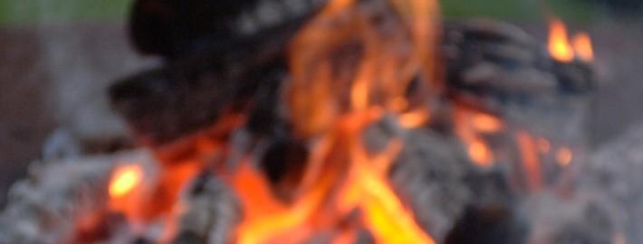 Mit einer Feuerestelle lässt sich der Garten noch mehr genießen