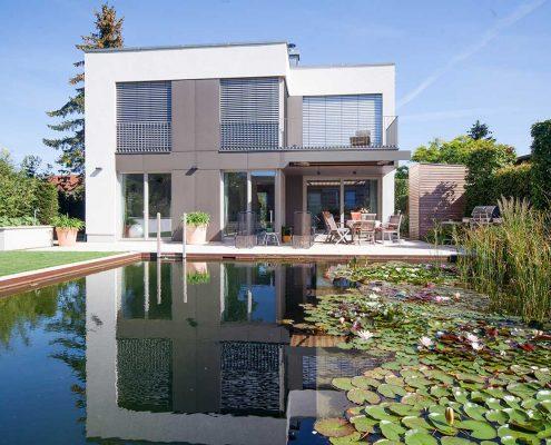 Hofgarten mit Schwimmteich in Potsdam
