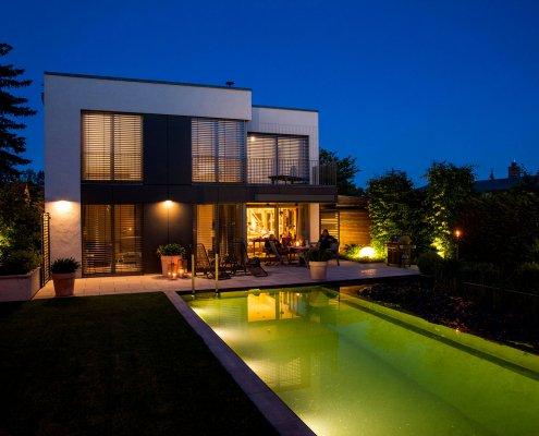 Schwimmteich Abendbeleuchtung Lichtplanung